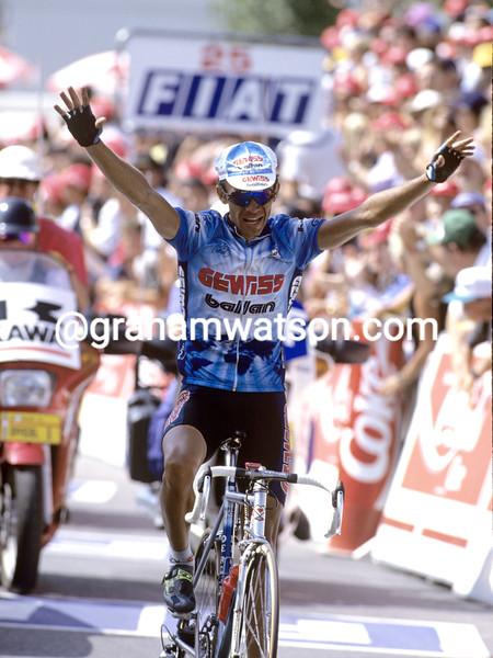 PIOTR UGRUMOV WINS A STAGE OF THE 1994 TOUR DE FRANCE