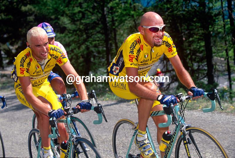 Marco Pantani and Stefano Garzelli in the 2000 Giro d'Italia