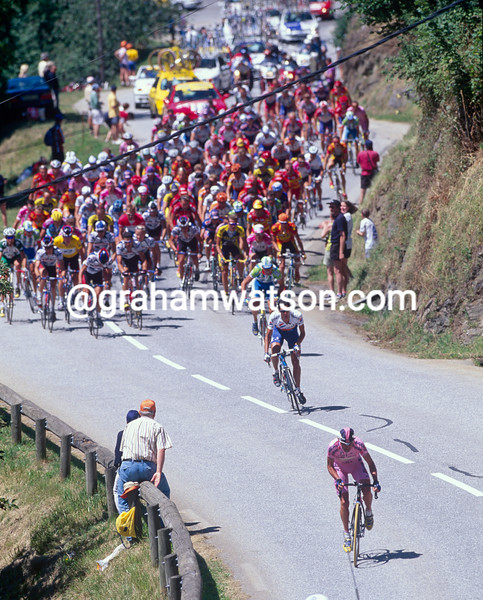 Marco Pantani attacks on the Col des Saisies in the 2000 Tour de France