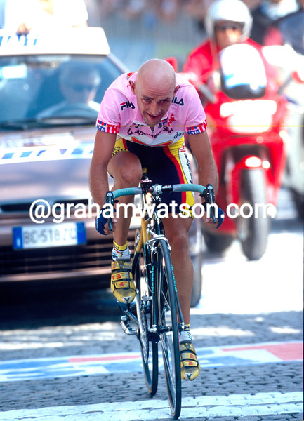 Marco Pantani wins a stage of the 1999 Giro d'Italia