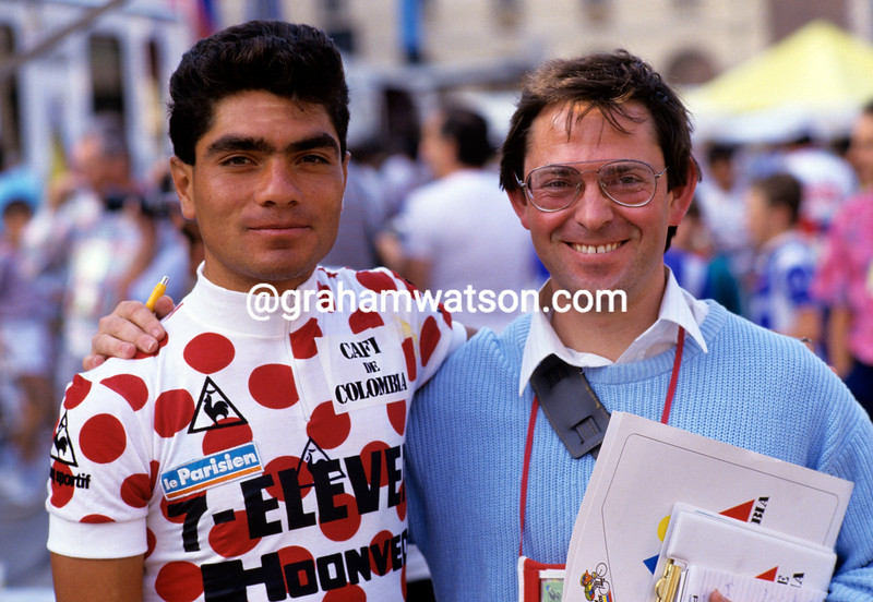 Raul Alcala with journalist Noel Truyers in the 1987 Tour de France