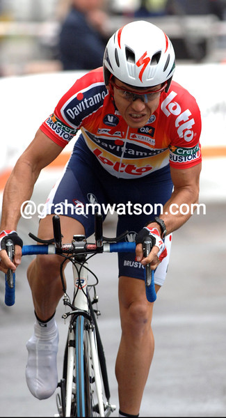 Robbie McEwen in action during the prologue of the 2006 Tour of Romandie