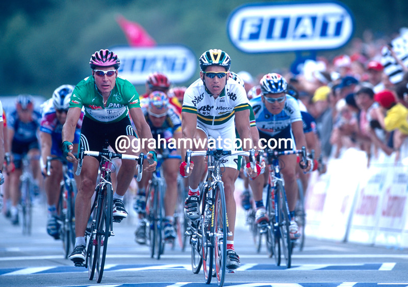 Robbie McEwen and Erik Zabel in the 2001 Tour de France