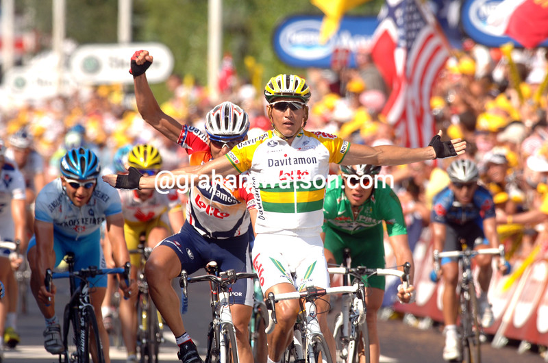 ROBBIE MCEWEN WINS STAGE THIRTEEN OF THE 2005 TOUR DE FRANCE