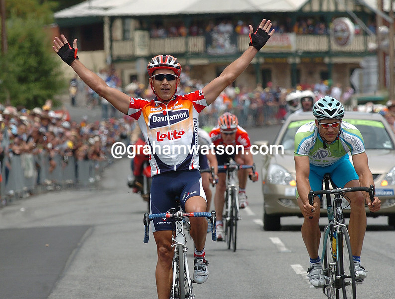 ROBBIE MC EWEN WINS THE 2004 AUSTRALIAN CHAMPIONSHIPS