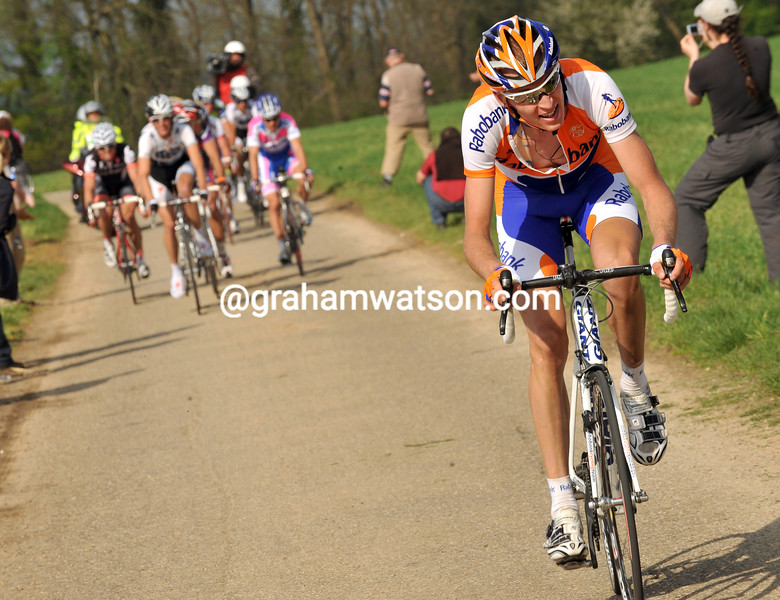 ROBERT GESINK ATTACKS IN THE 2009 AMSTEL GOLD RACE