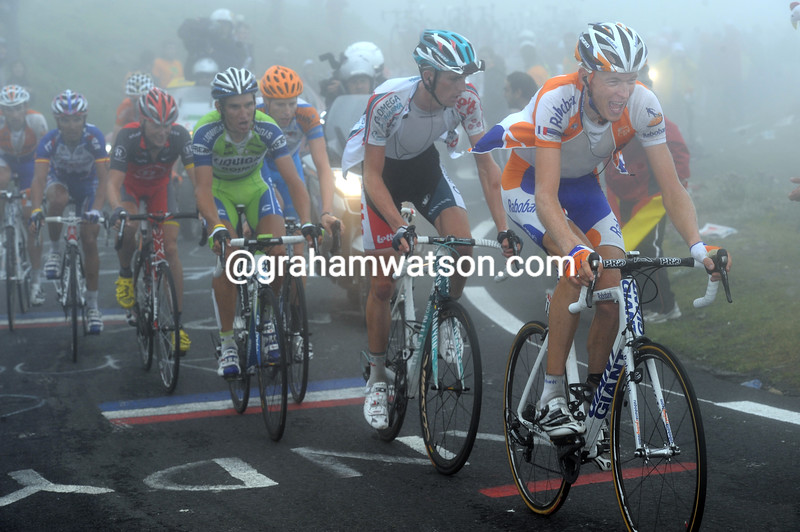 ROBERT GESINK CHASES ON STAGE SEVENTEEN F THE 2012 VUELTA A ESPANA