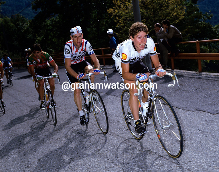 Robert Millar leads Sean Kelly in the 1984 Giro di Lombardia