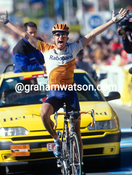 Rolf Sorensen iwns the 1997 Tour of Flanders