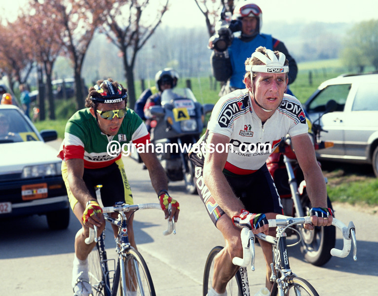 Rudy Dhaenens leads Moreno Argentin in the 1990 Tour of Flanders