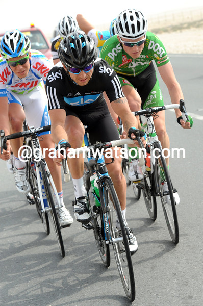RUSSELL DOWNING LEADS AN ESCAPE ON STAGE THREE OF THE 2011 TOUR OF QATAR