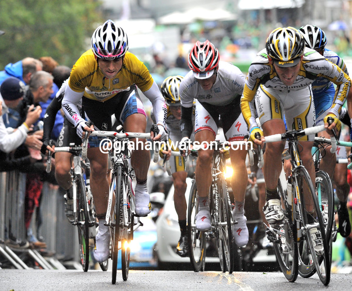 RUSSELL DOWNING AND MARCO PINOTTI CLIMB ST PATRICK'S HILL IN THE 2009 TOUR OF IRELAND