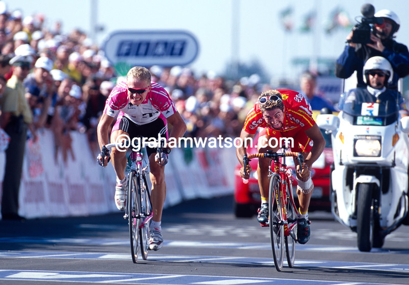 Salvatore Commesso wins a stage in the 2000 Tour de France
