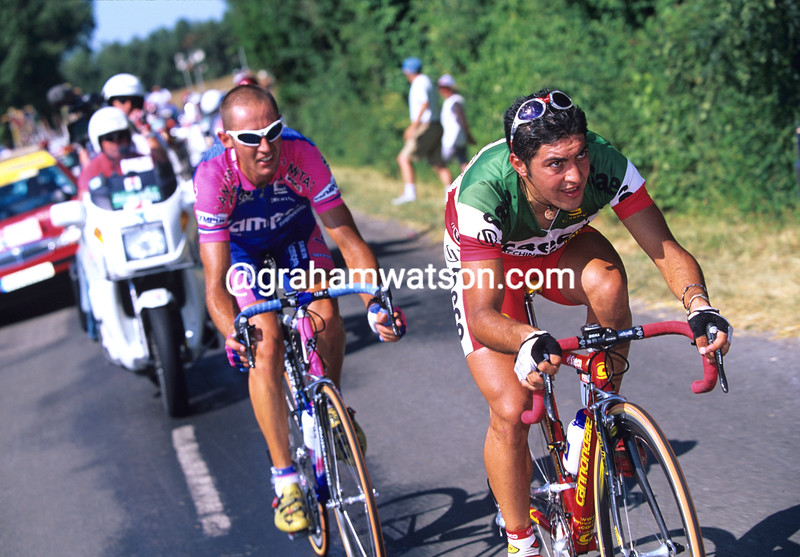 Salvatore Commesso on a stage of the 1999 Tour de France