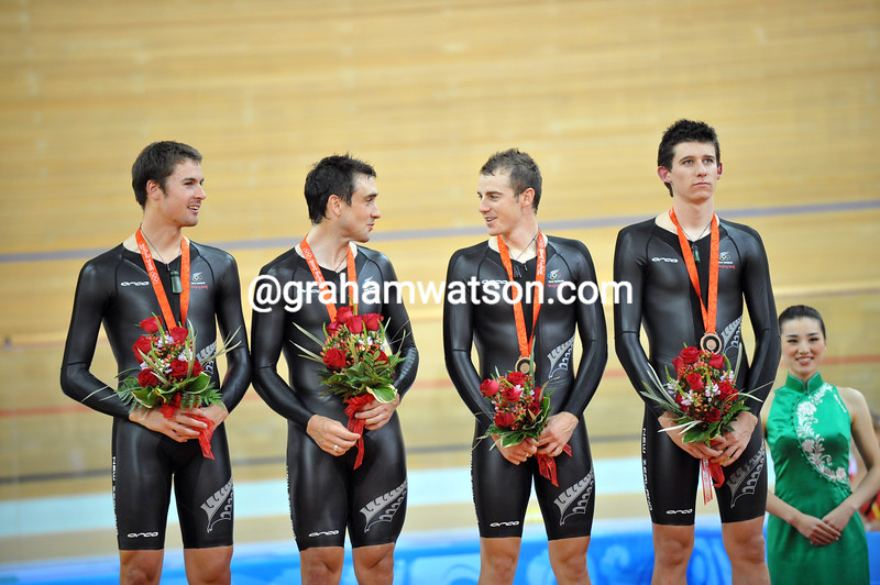 NEW ZEALAND IN THE TEAM PURSUIT AT THE 2008 OLYMPIC GAMES
