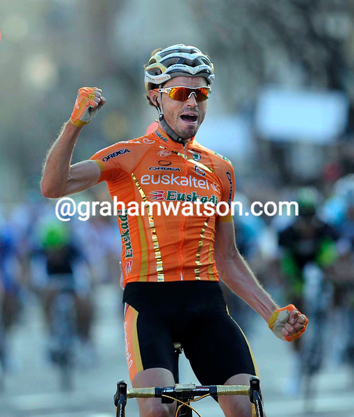 Samuel Sanchez Gonzalez wins Stage Six of the 2012 Tour of Catalonia