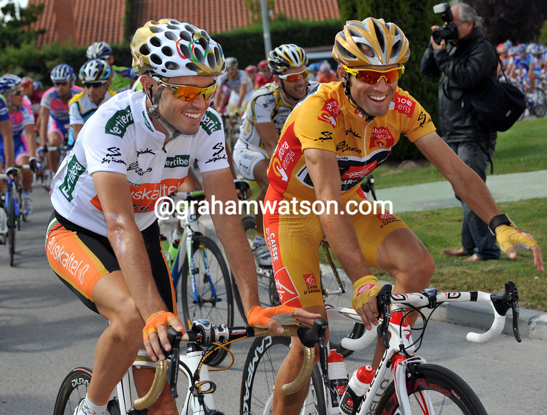 ALEJANDRO VALVERDE WITH SAMMY SANCHEZ ON STAGE TWENTY ONE OF THE 2009 TOUR OF SPAIN