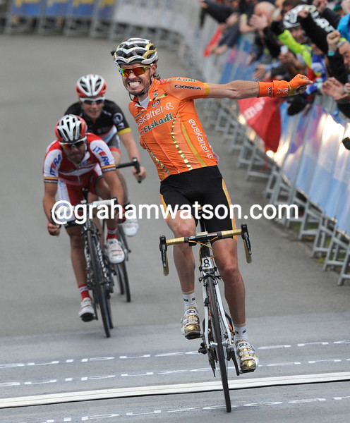 Samuel Sanchez wins stage three of the Tour of the Basque Country