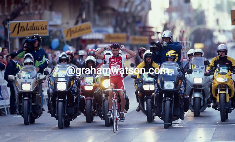 Santiago Blanco wins a stage of the 2000 Ruta del Sol