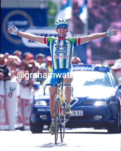 Santiago Botero wins a stage of the 2000 Tour de France