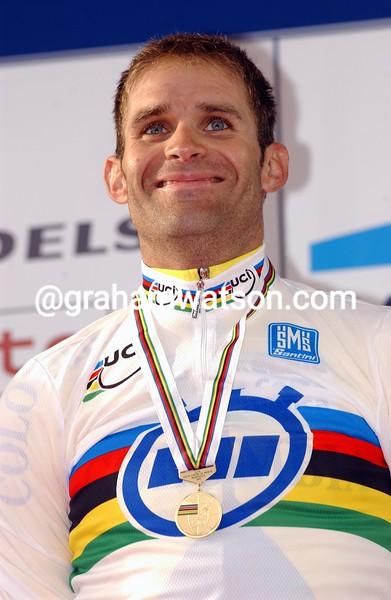 Santiago Botero wins the 2002 World TT Championship