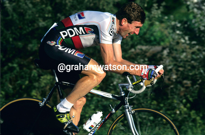 Sean Kelly in the 1990 Criterium International
