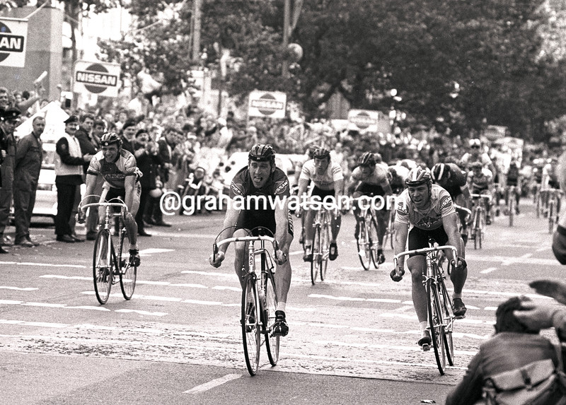 sean kelly outsprints steve bauer in a stage of the 1987 tour of ireland