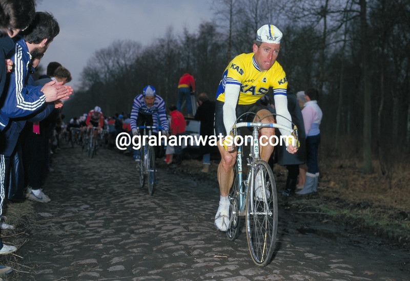 Sean Kelly in the 1986 Paris-Roubaix