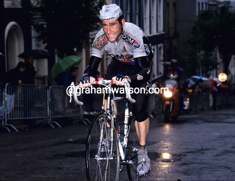 Sean Kelly in the 1990 Nissan Classic