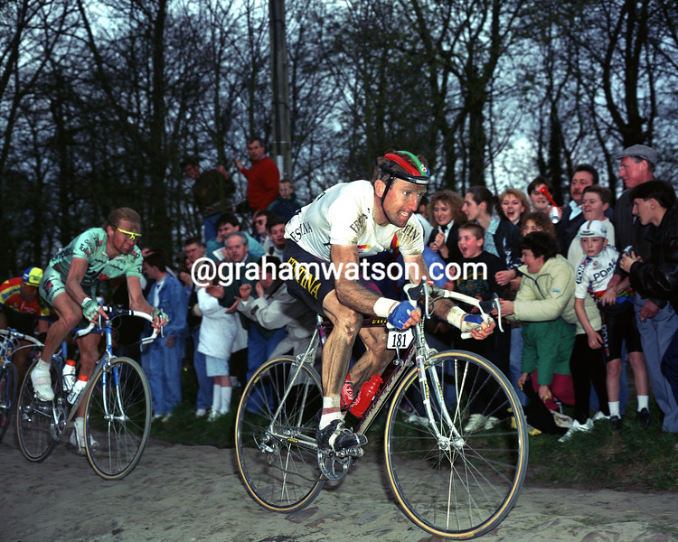 Sean Kelly in the 1992 Paris-Roubaix
