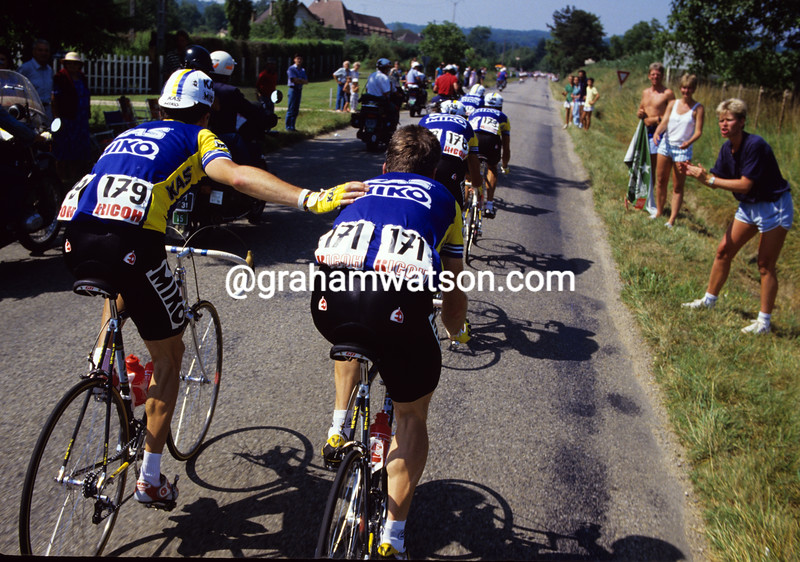 An injured Sean Kelly in the 1987 Tour de France