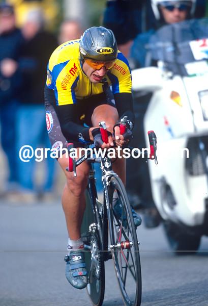 Serhiy Honchar wns the 2000 World Time Trial Championship