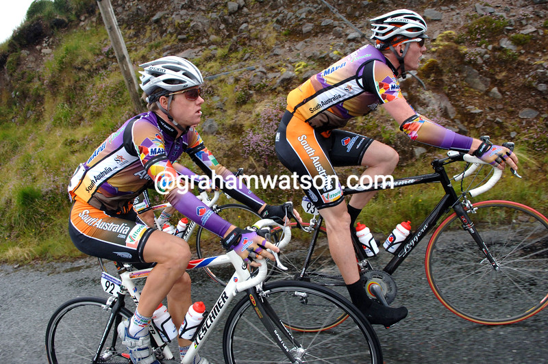 SIMON CLARKE AND ZAK DEMPSTER ON STAGE FOUR OF THE 2007 TOUR OF IRELAND