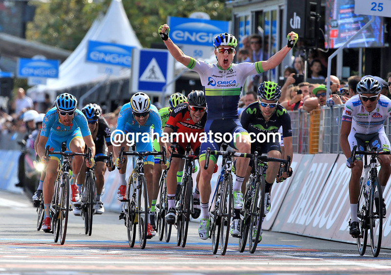 Simon Clarke realises he's won the race-lead on stage four of the 2015 Tour of Italy