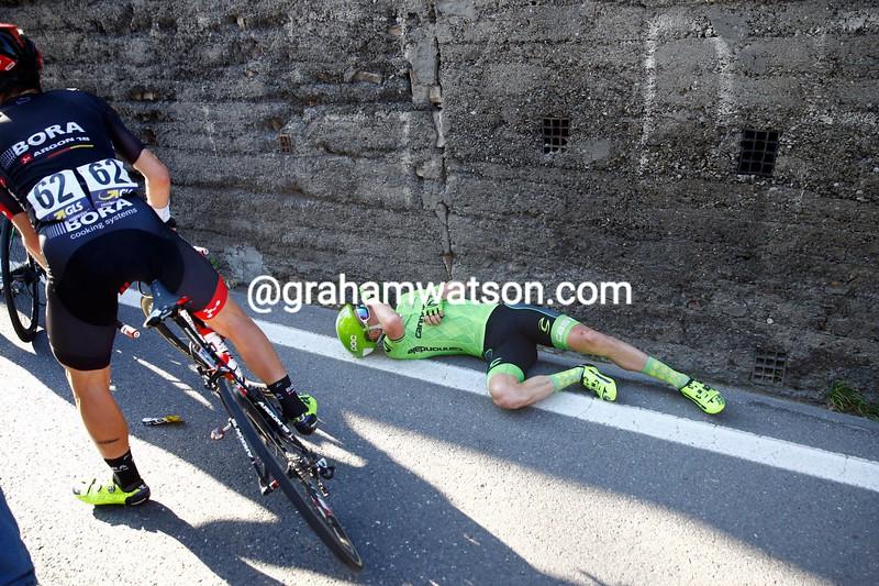 Simon Clarke after a crash in the 2016 Milan-San Remo