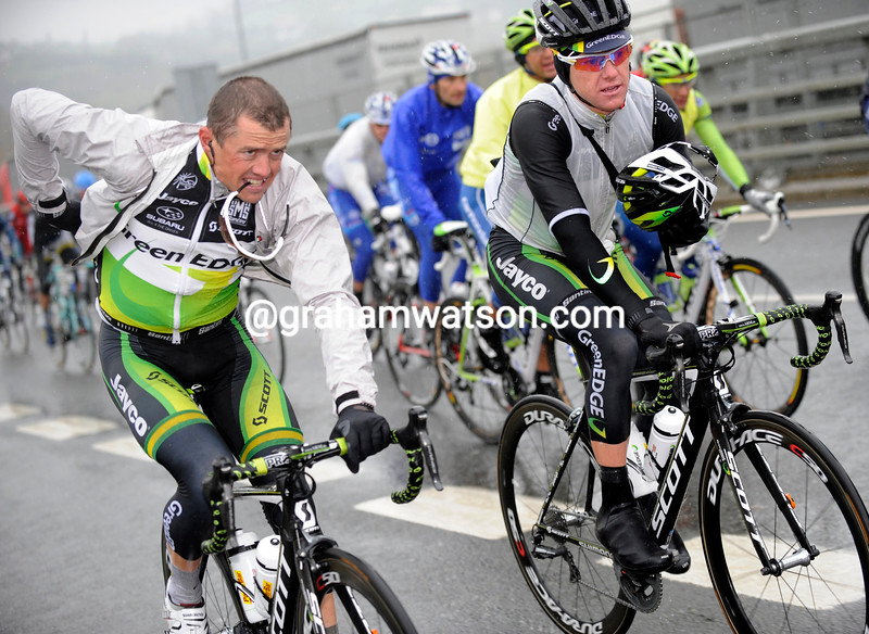 Simon Clarke and Simon Gerrans on Stage 4 of the 2012 Tour of the Basque Country