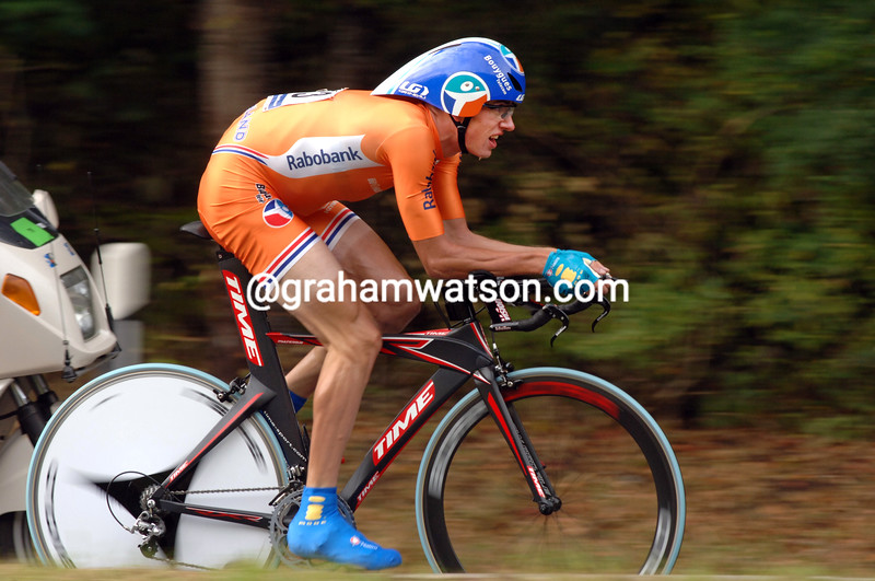 STEF CLEMENT IN THE TIME TRIAL AT THE 2007 WORLD CYCLING CHAMPIONSHIPS