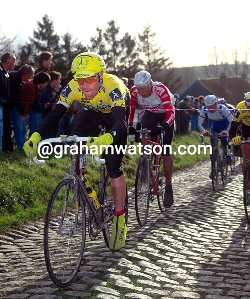 Stephen Hodge in the 1990 Tour of Flanders