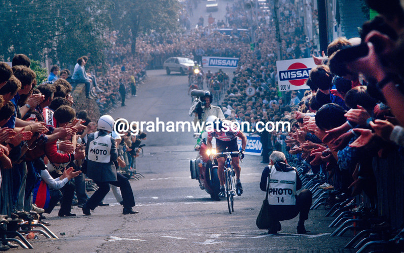 Stephen Roche climbs St Patrick's Hill in the 1985 Nissan Classic