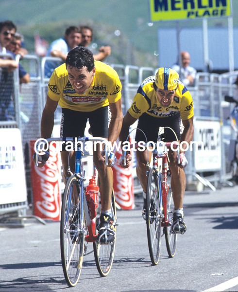 Stephen Roche battles to save his yellow jersey at Alpe d'Huez in the 1987 Tour de France