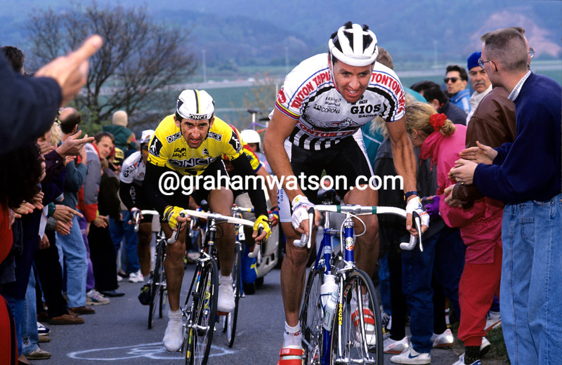 STEPHEN ROCHE CLIMBS LA REDOUTE IN THE 1991 LIEGE-BASTOGNE-LIEGE