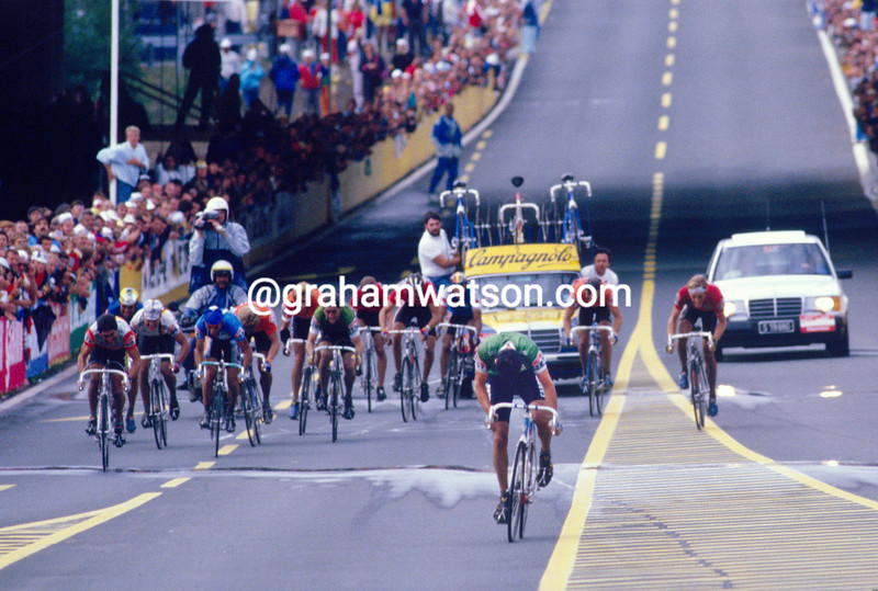 Stephen Roche on his way to winning the 1987 World Championship