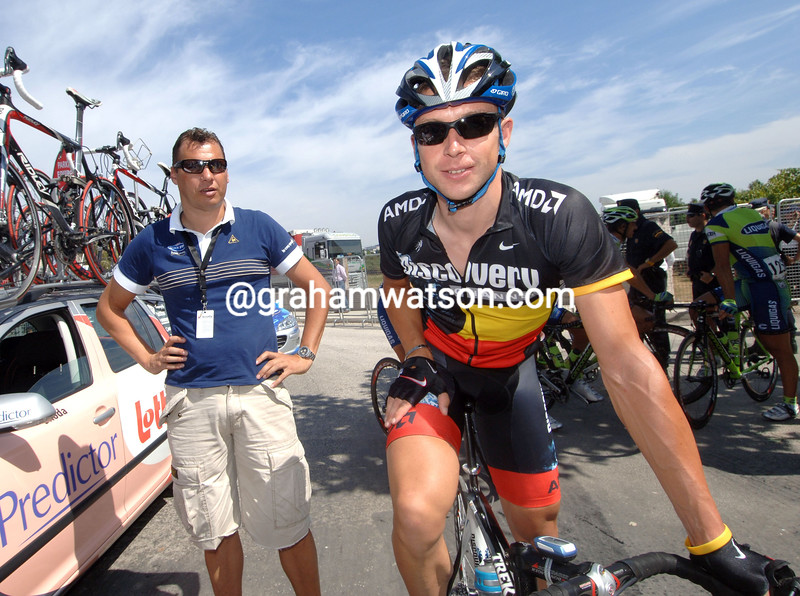 STIJN DEVOLDER WITH WILFRIED PEETERS BEFORE STAGE TWO OF THE 2007 TOUR OF SPAIN