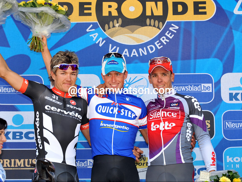 STIJN DEVOLDER WINS THE 2009 TOUR OF FLANDERS