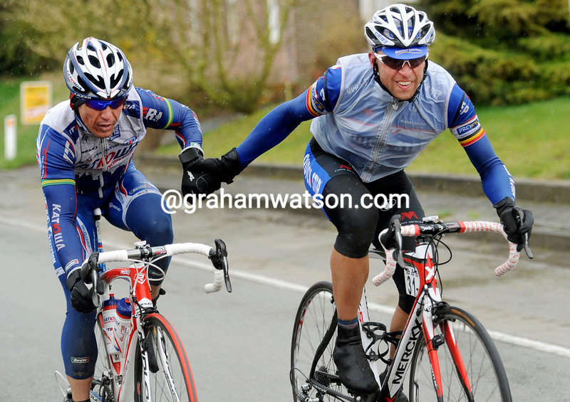 robbie mcewen and stijn devolder ON STAGE TWO OF THE 3 DAYS OF DE PANNE