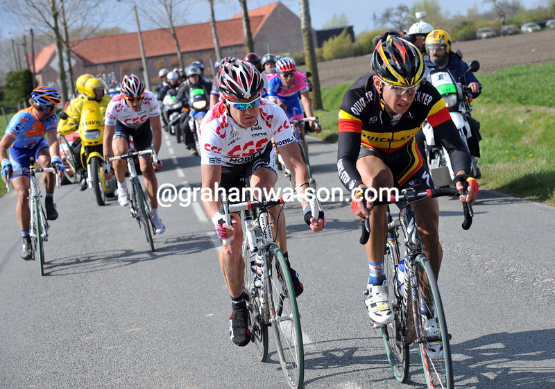 STIJN DEVOLDER LEADS AN ESCAPE IN THE 2008 PARIS-ROUBAIX