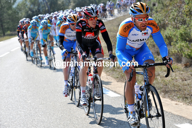 SVEIN TUFT CHASES IN THE 2010 PARIS-NICE
