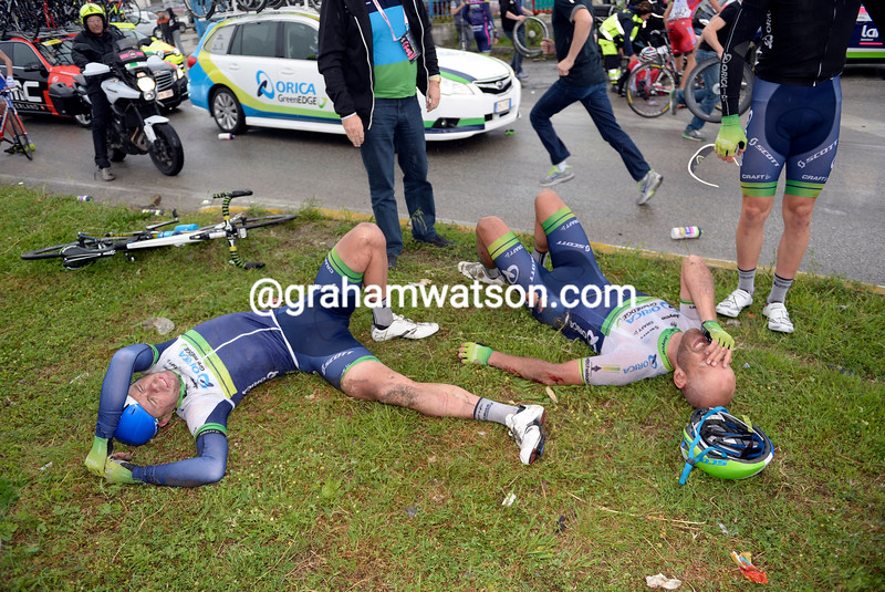 Brett Lancaster and Svein Tuft have crashed on stage six of the 2014 Giro d'Italia