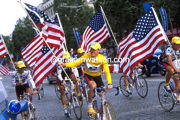 Lance Armstrong on the Champs Elysees after the 2000 Tour de France