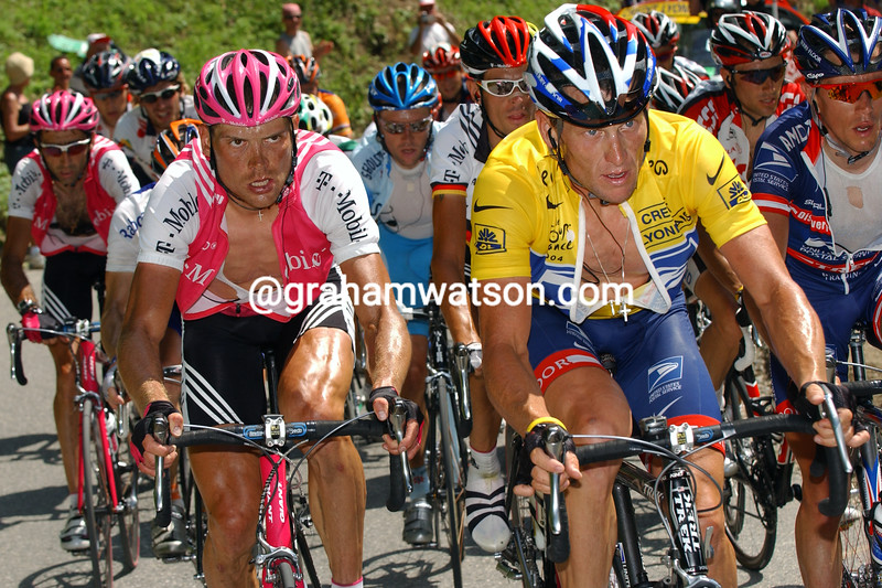 Lance Armstrong and Jan Ullrich on a stage of the 2004 Tour de France